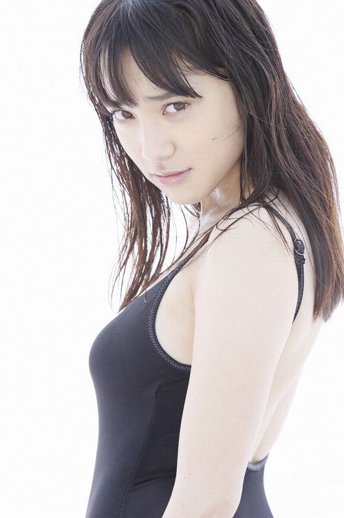 都丸紗也華Fカップ巨乳おっぱい画像b32