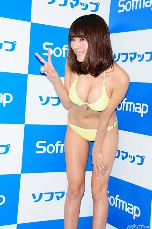 伊藤しほ乃Gカップ巨乳おっぱい画像a05