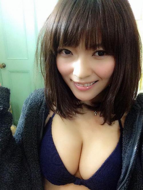 伊藤しほ乃Gカップ巨乳おっぱい画像a23