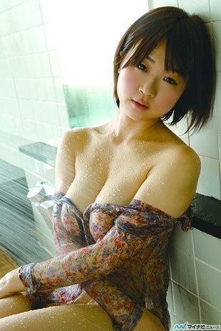 水月桃子Hカップ巨乳おっぱい画像2b09