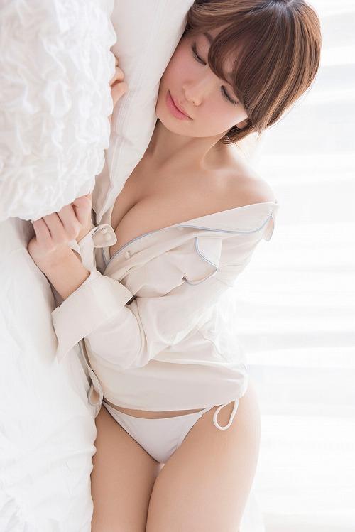 小嶋陽菜おっぱい画像a05