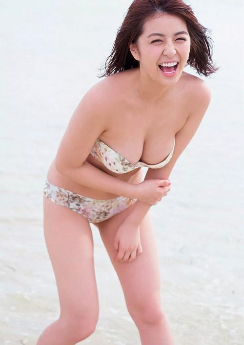 柳ゆり菜巨乳水着おっぱい画像a09