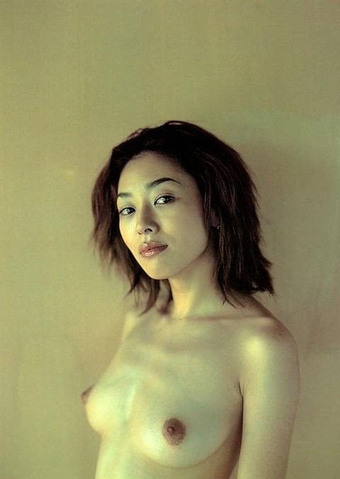 小松千春ヌード画像a12