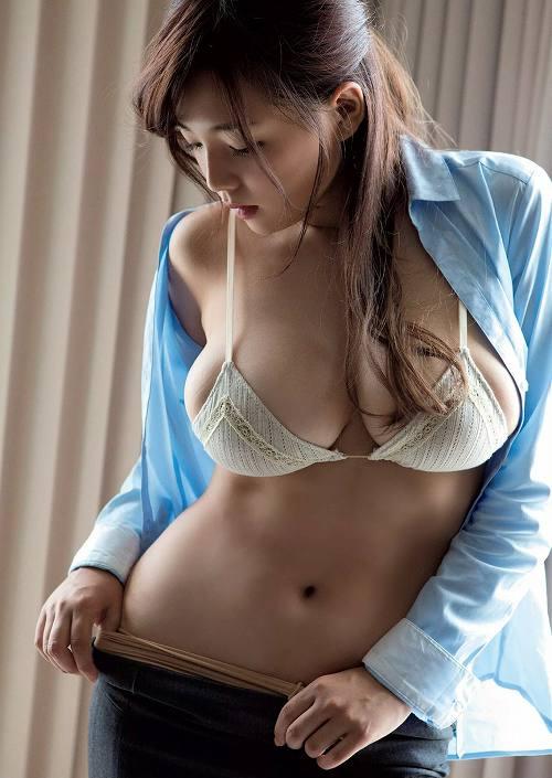 篠崎愛Gカップ巨乳おっぱい画像a46