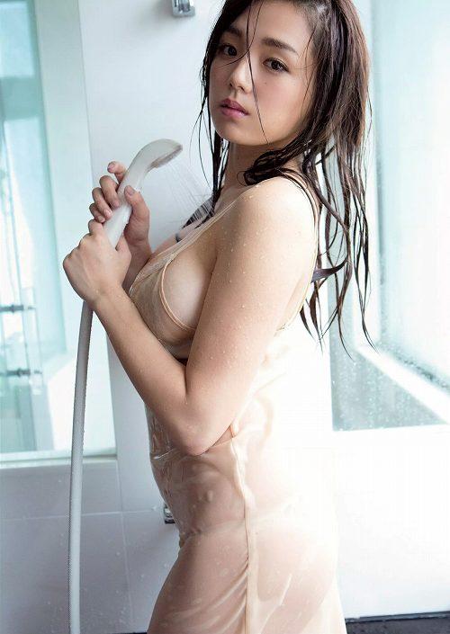 篠崎愛Gカップ巨乳おっぱい画像a54