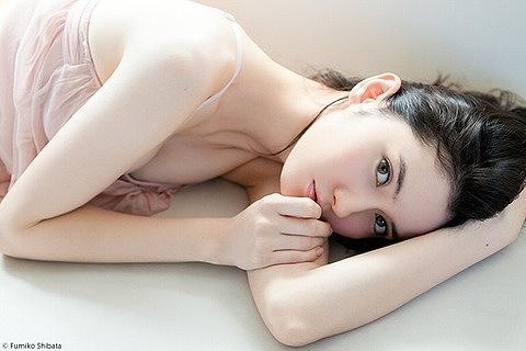 市川紗椰Eカップ巨乳おっぱい画像2a12