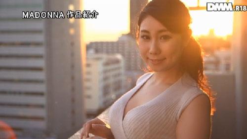香川ゆのFカップ巨乳おっぱい画像2a06