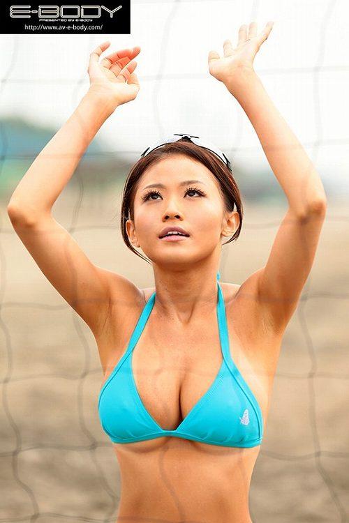 西田翔子Hカップ美巨乳おっぱい画像b04
