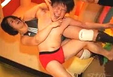 関西弁の女性に関節を極められてみたい!って夢が叶うお店