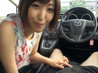 ショートカット痴女お姉さんが温泉に向かう車中でフェラ&手コキ抜きしてくれる!水野朝陽