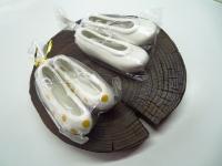切り株とコッシン(韓国の伝統靴)