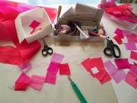 ピンクまみれの作業スペース