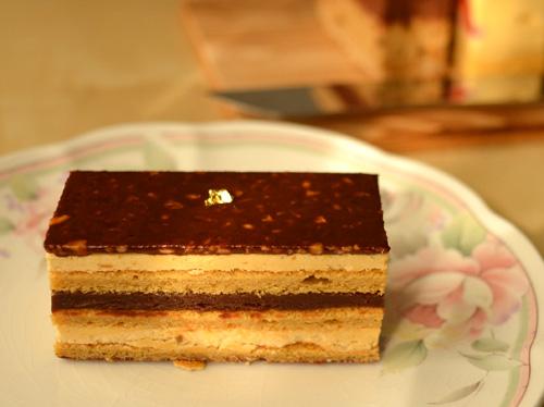 【ケーキ】イル・プルー・シュル・ラ・セーヌ「さつまいものオペラ」01