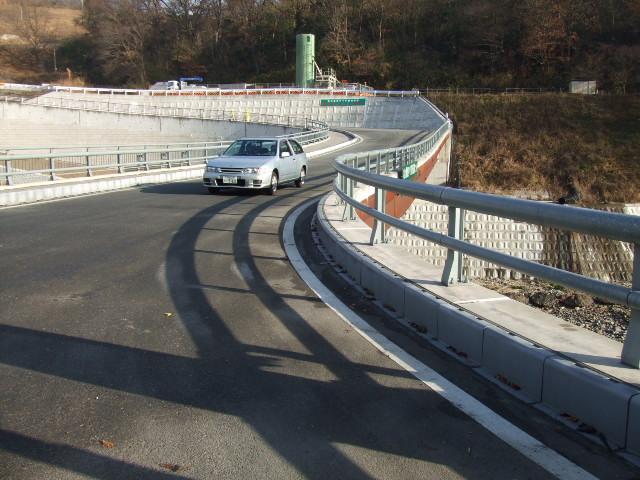 新亀の瀬橋