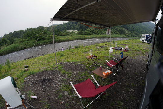 006翌朝の川原