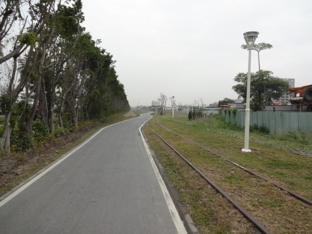 サイクリングロードは廃線跡