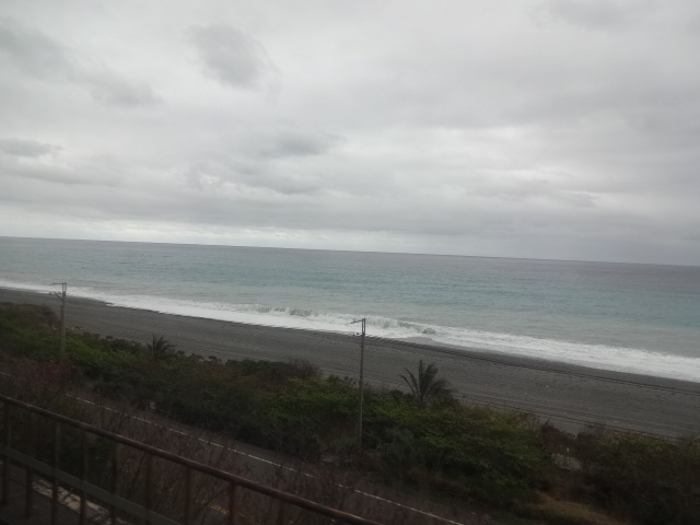 太平洋の車窓