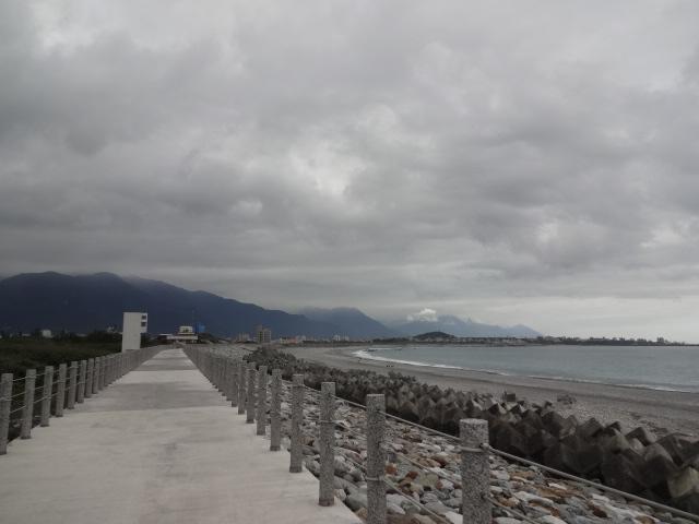 サイクリングロードは海岸線へ
