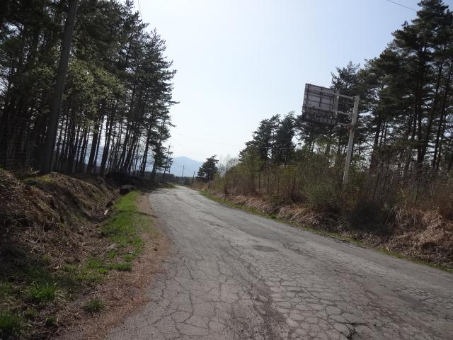 八ヶ岳中央農業実践大学への道路