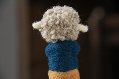 羊くん後頭部