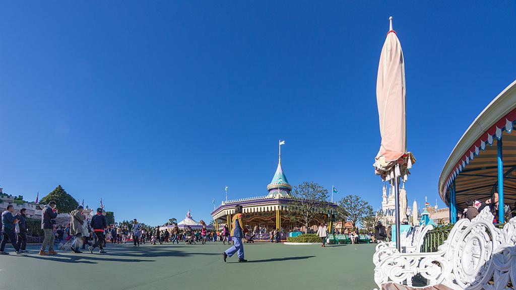 クイーン・オブ・ハートのバンケットホールとアリスのティーパーティーとキャッスルカルーセルと空飛ぶダンボ