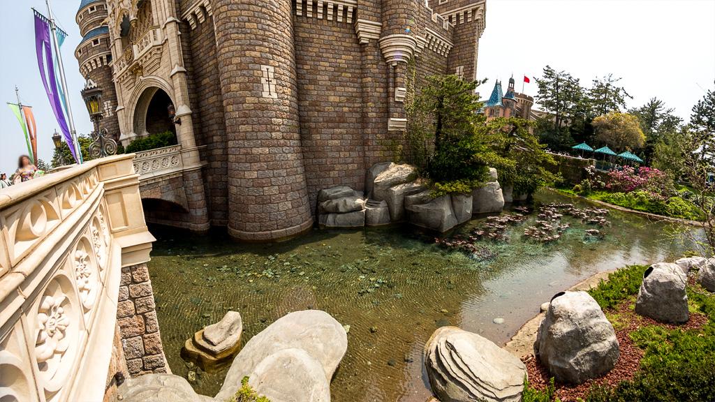 お堀(シンデレラ城)