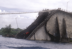 Original_Koror-Babeldaob_Bridge_collapse.png