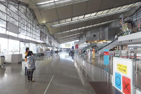 0841 新潟空港内観