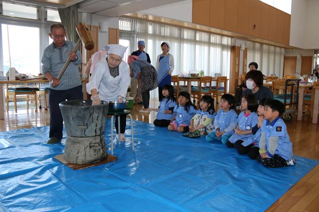 20150522幼稚園餅つき