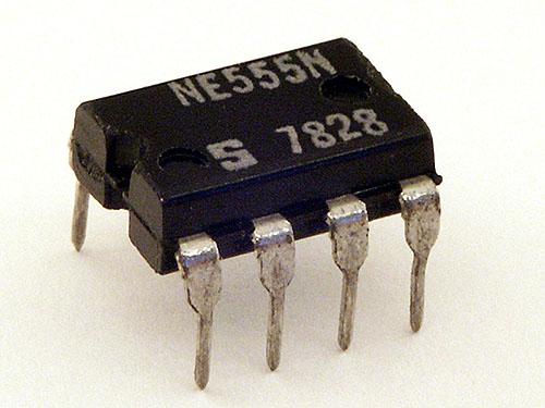 タイマIC555