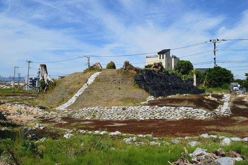 【東日本最古の古墳】道路建設のために取り壊し…静岡県沼津市にある「高尾山古墳」の存続問題