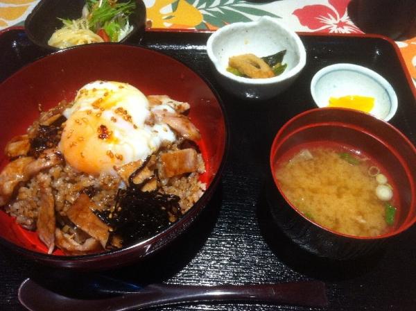 HonmachiMomo_003_org.jpg