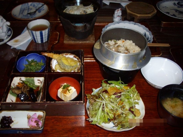 IzumiKakuremura_000_org.jpg