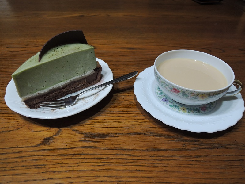 抹茶と生チョコのケーキ