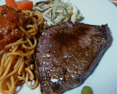 150301モモ肉ステーキ