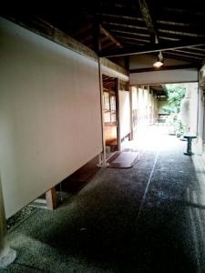 旅館風呂までの廊下1
