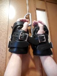吊り用手枷