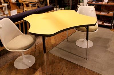 アメリカ製 VIRCO社 オフィス家具 ダイニングテーブル