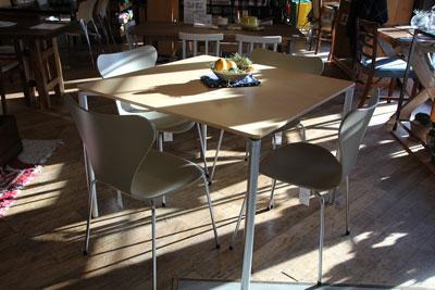 フリッツハンセン PLANOテーブル ペリカンデザイン