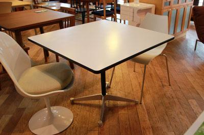 イームズ コントラクトベース テーブル