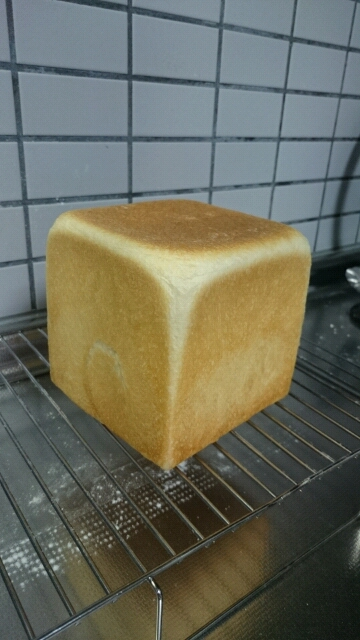 角食パン焼き色ついた!ホワイトラインも!