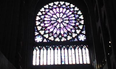 ノートルダムバラ窓1