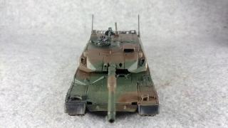 10式戦車 正面