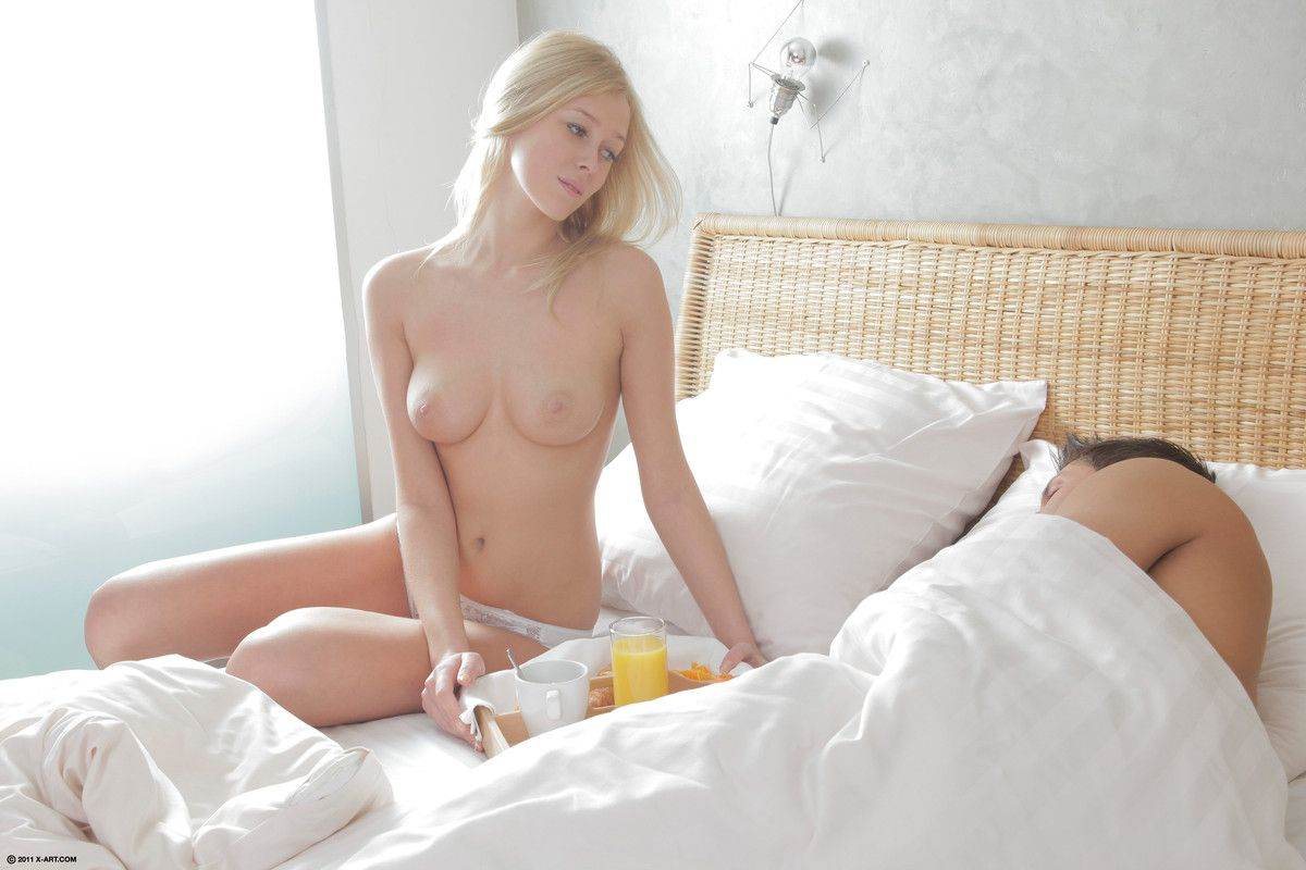 Grace - BREAKFAST IN BED 01