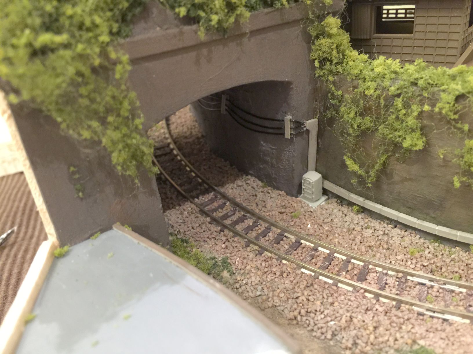 トンネルへうにょうにょを貼ったところ2