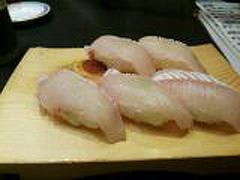 廻らないお寿司3