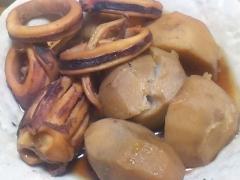 烏賊と里芋の甘煮。