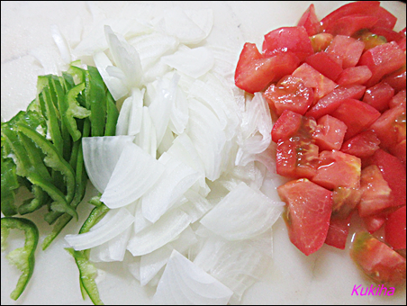 トマトとたまねぎの大きなたまご焼き