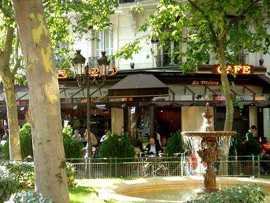 噴水が借景のサンジェルマンのカフェdownsize