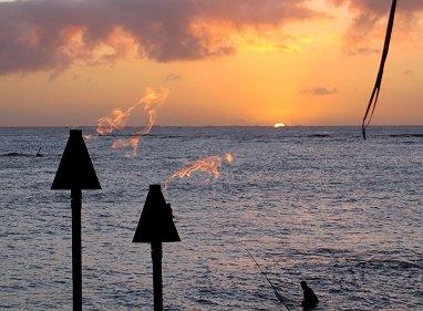 かがり火の向こうに今陽が沈むREVdownsize